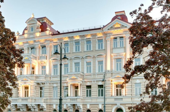 The Kempinski Hotel Cathedral Square Facade | jhtravel.org