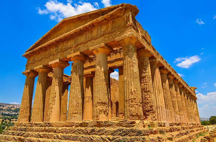 Ruins of an ancient temple in Agrigento, Sicily | Jewish Heritage Travel